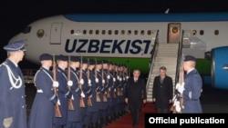 Торжественная встреча Шавката Мирзияев в международном аэропорту «Тегель». Берлин, 20 января 2019 года.