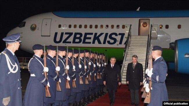 Ўзбекистон президентини Берлинда кутиб олиш тантанаси.