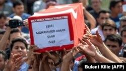 Un siciru al uni coil de nouă luni, Mohammed Omar, omorât în atacul din Akcakale în nordul Siriei pe 11 octombrie 2019