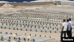 Воени гробишта на силите лојални на Гадафи во Мисрата.