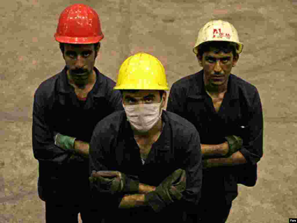3 workers in Iran.Published by Fars Agency.