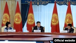 Президент Сооронбай Жээнбеков Сот реформасы боюнча кеңештин жыйынында.