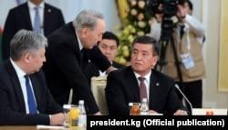 Қазақстан президенті Нұрсұлтан Назарбаев пен Қырғызстан президенті Сооронбай Жээнбеков. Астана, 15 наурыз 2018 жыл.