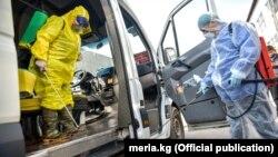 Хворі – громадяни Казахстану, чоловік і жінка, вони прилетіли в країну з Німеччини двома різними рейсами