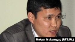 Политолог Талгат Мамырайымов. Алматы, 2 июня 2011 года.