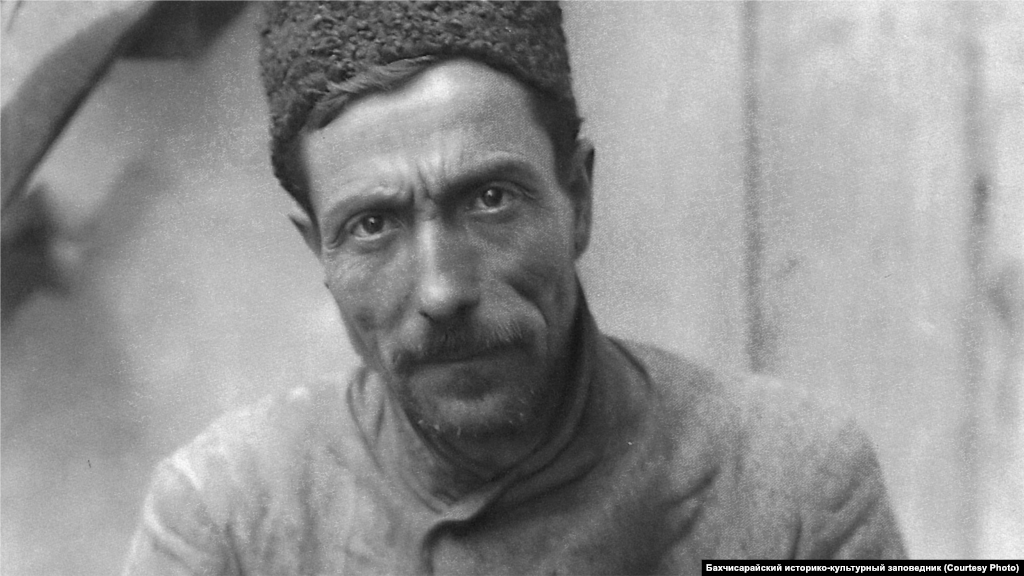 A tanner in Bakhchysaray during the 1920s. Cattle breeding was at the core of Crimean Tatar agriculture. In addition to meat, milk, and wool, livestock also provided leather. In Bakhchysaray and Karasubazar there were up to 40 leather manufactures during the 1920s.