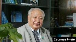 Казахский писатель Абиш Кекильбаев.