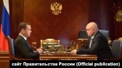 Рабочая встреча Дмитрия Медведева и Сергея Цивилева