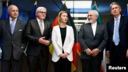 از راست: وزیر خارجه بریتانیا، ایران، فدریکا موگرینی، وزیر خارجه آلمان و فرانسه
