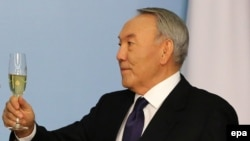 Қазақстанпрезиденті Нұрсұлтан Назарбаев өз резиденциясындағы салтанатты шара кезінде. Астана, 5 желтоқсан 2014 жыл.