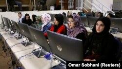В Независимой избирательной комиссии Афганистана продолжается подготовка к выборам.