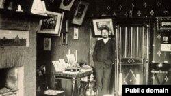 Антон Чехов в своем кабинете в Ялте