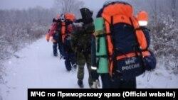 Спасатели на Лозовом хребте в Приморском крае