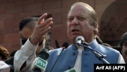 Former Pakistani ousted prime minister Nawaz Sharif (file photo)
