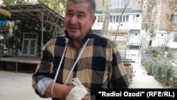 Рахматилло Зоиров в результате нападения получил увечья двух пальцев правой руки.