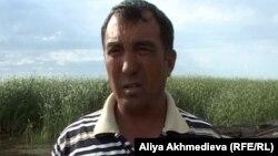 Кайрат Баянбаев, рыбак. Алматинская область, Алакольский район, 13 июля 2012 года.