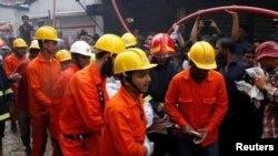 آرشیف، کارمندان نجات در بنگلهدیش