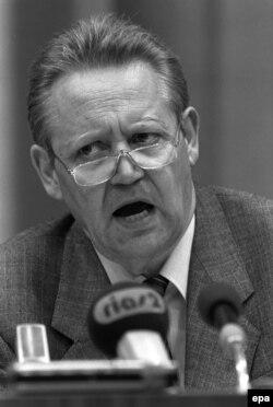 Гюнтер Шабовски сообщает об открытии границы на пресс-конференции 9 ноября 1989 года