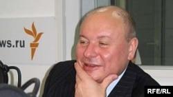Ягор Гайдар у студыі Радыё Свабода