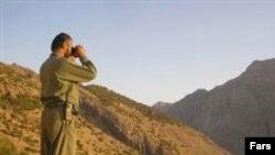 یکی از محیطبانان ایرانی.