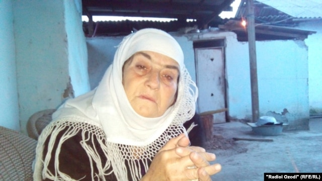 Mayrambi Olimova says her daughter Gulru is stuck in Syria, because Islamic State won't let her leave without her three young children.