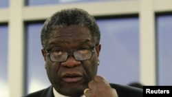 Сахаров сыйлығын иеленген конголық дәрігер Денис Муквеге.