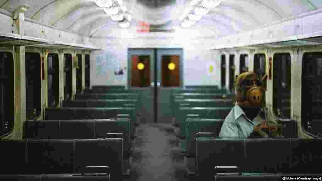 Инопланетянин Альф, герой одноименного американского научно-фантастического сериала, едет домой в пригород в ночной электричке
