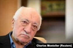 Clericul Fethullah Gulen acasă la el la Saylorsburg, Pennsylvania, Statele Unite