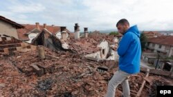 Атышуудани кыйраган үйлөр. Македония. 11-май