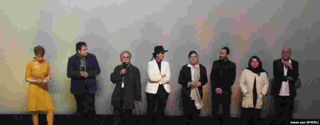 عوامل «لانتوری» در سالن نمایش فیلم در برلیناله