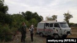 Бригада сотрудников Национального ядерного центра в селе Калачи. Акмолинская область, 7 сентября 2014 года.
