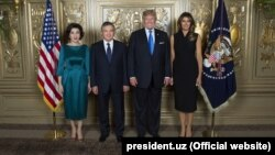 Президент Узбекистана Шавкат Мирзияев и его супруга встречались с президентом США Дональдом Трампом и его супругой в сентябре 2017 года в Нью-Йорке.