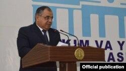 Глава Навоийской области Кабул Турсунов.