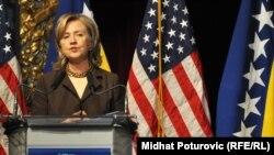 Moj muž, bivši predsjednik Bil Klinton, i ja vrlo snažno osjećamo da vi možete uspjeti – uprkos svim preprekama: Hilari Klinton