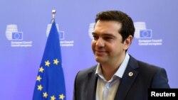 Грецький прем'єр Алексіс Ципрас залишає саміт лідерів країн єврозони, Брюссель, 13 липня 2015 року