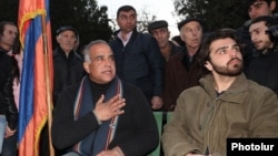 Armenia - Opposition leader Raffi Hovannisian (L) begins a hunger strike in Liberty Square in Yerevan, 10Mar2013.