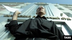 Элекке намзәт Олег Шеин сайлау нәтиҗәләрен гамәлдән чыгаруны таләп итеп мәхкәмәгә мөрәҗәгать итте