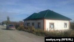Дом пенсионерки Умитгуль Альмагамбетовой. Кызылорда, 25 октября 2014 года.