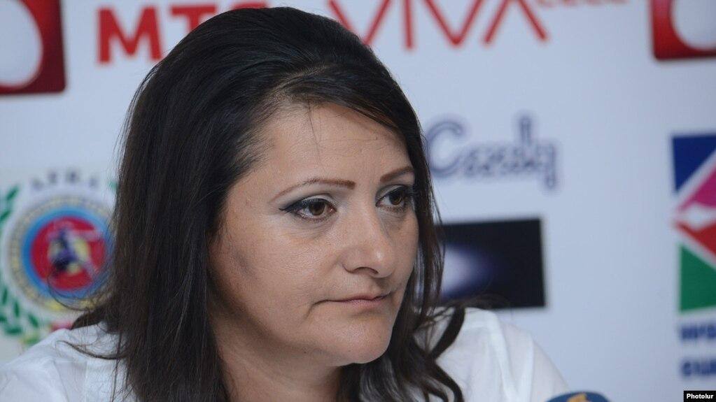 По подозрению в незаконном хранении оружия задержана супруга Манвела Григоряна