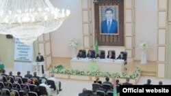 The face of the political opposition in Turkmenistan...under the face of power.