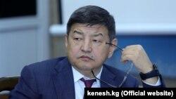 Акылбек Жапаров.