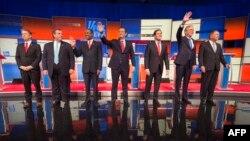 از راست: کیسیک، بوش، روبیو، کروز، کارسون، کریستی و پال