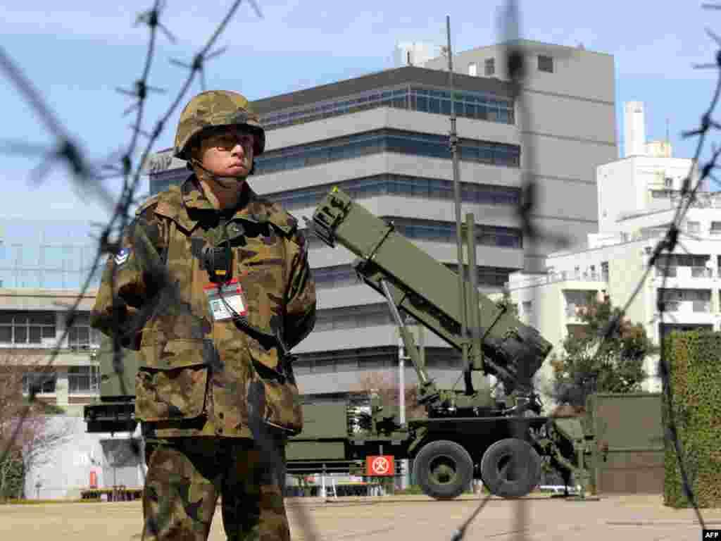 ПВО Японии готовы сбить северокорейскую ракету. Пхеньян объявил, что 4-8 апреля запускает спутник связи и фрагменты ракеты-носителя могут упасть на территорию японских префектур Акита и Ивате