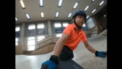 Млад скејтер без нозе доби поддршка од Тони Хок