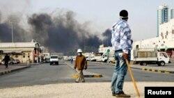 Судири меѓу демонстрантите и полицијата во Бахреин. Манама, 16 март 2011 година.