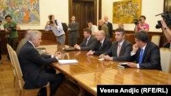 Tomislav Nikolić sa predstavnicima kosovskih Srba, juni 2012.