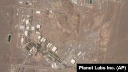 نمایی از تاسیسات هستهای نطنز