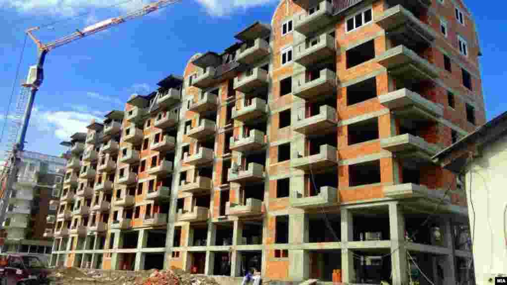Изградба на згради во Скопје