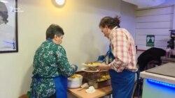 Іспанський Робін Гуд годує нужденних – відео
