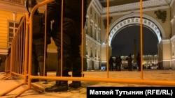 Вход на Дворцовую площадь